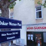 Bücherschmaus Ansicht am Oskar-Werner-Platz.