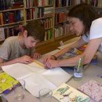 Gestalten von Lesezeichen und Bleistiften