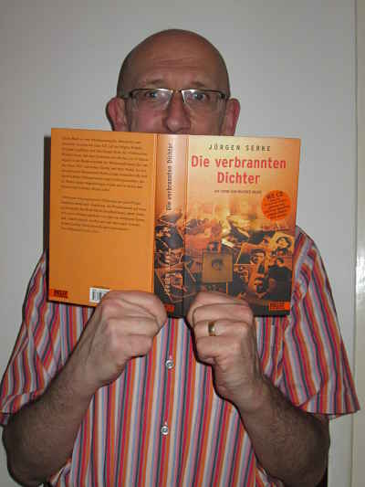 Georg Schober mit Buch