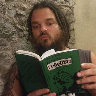 Chris Moser liest in Viva la Rebellion