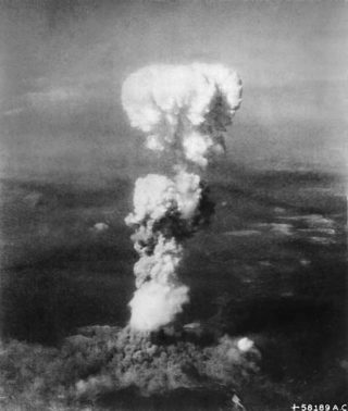 Foto des Atombombenabwurfes auf Hiroshima