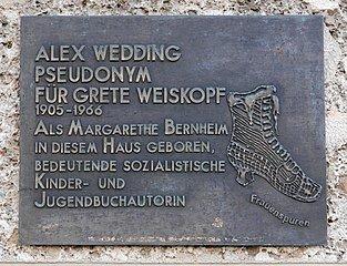 Gedenktafel für Alex Wedding in Salzburg